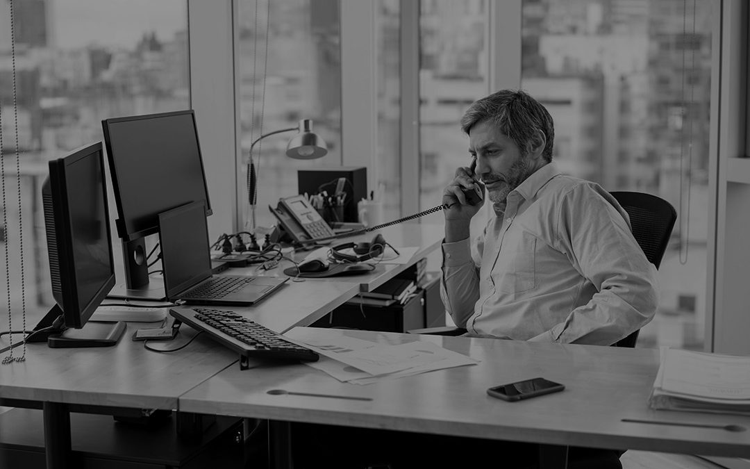 The Top 4 Reasons to Choose a VoIP Phone System